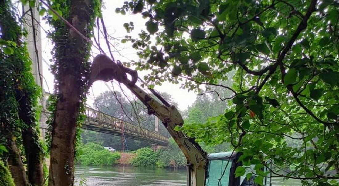 Forage depuis le pont